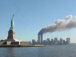 Liberty and Twin Towers. Nguồn: WIKI