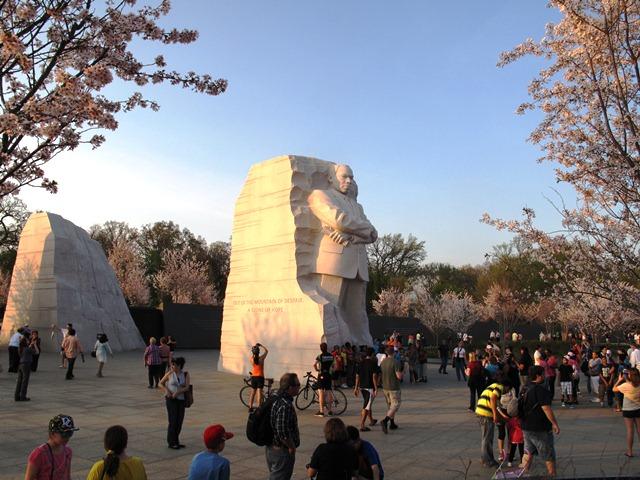 Tượng đài MLK ở DC. Ảnh: HM