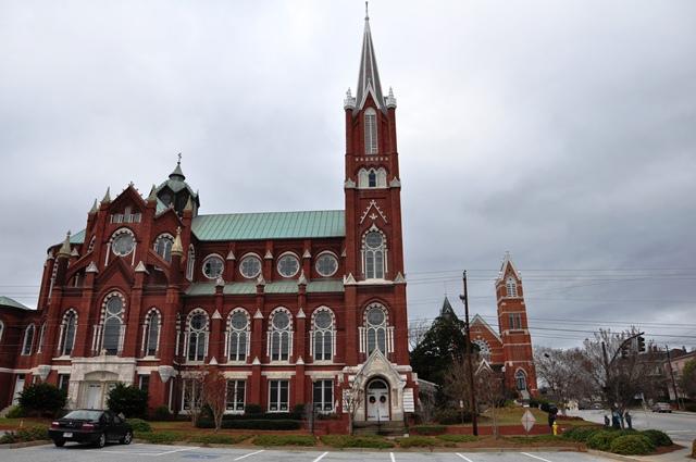 Nhà thờ Saint Joseph. Ảnh: HM