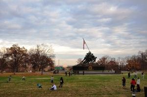 Iwo Jima nhìn sang DC. Ảnh: HM