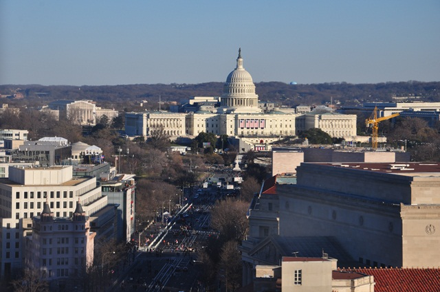 Capitol nhìn từ Old Post Office. Ảnh: HM