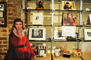 Scarlet trong nhà của Margaret Mitchell. Ảnh: HM