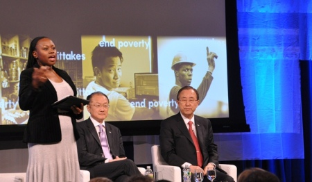Hai ông Triều Tiên bàn chuyện toàn cầu. Ảnh: HM