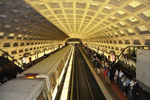 Metro ở DC. Ảnh: HM