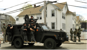 Quân cảnh và cảnh sát Mỹ ở Boston. Ảnh: internet