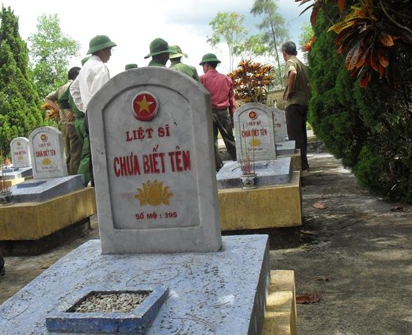 Hàng chục vạn người lính vẫn vô anh. Ảnh: Nguyễn Văn Hành