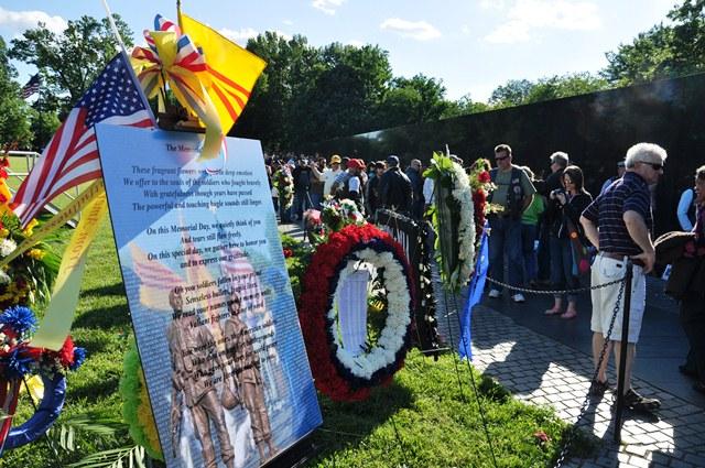 VN War Wall Memorial. Ảnh: HM