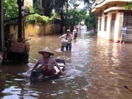 Hà Thành - sông giữa phố.