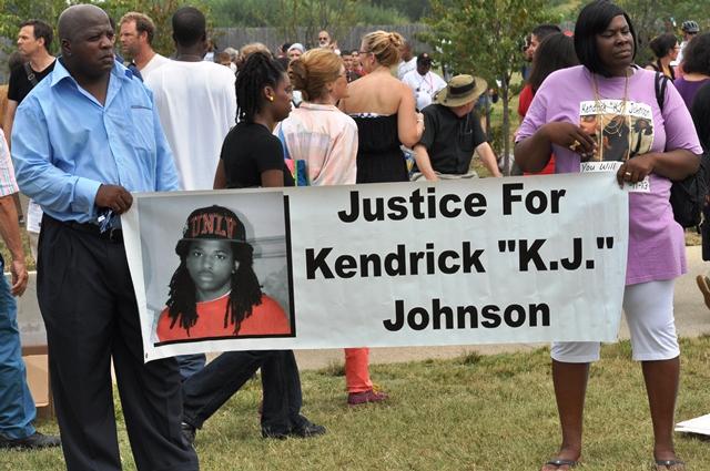 Công lý cho K. Johnson. Ảnh: HM