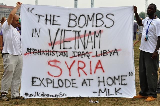 Chống ném bom Syria. Ảnh: HM