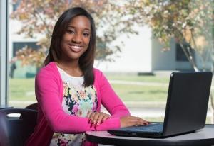 Sinh viên Erica Burrell của Nova CC. Ảnh: website trường Nova.