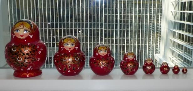 8 nàng Matryoska từ nước Nga. Ảnh: HM