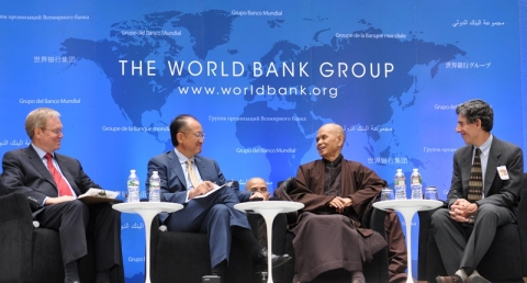 Thiền sư Thích Nhất Hanh tại WB. Ảnh: HM