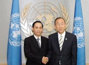 Đs. Lê Hoài Trung và TTK UN Ban Ki-Moon