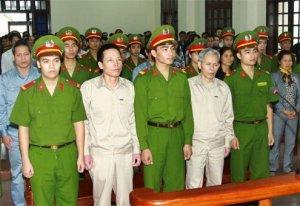 Phiên xử án Đoàn Văn Vươn.
