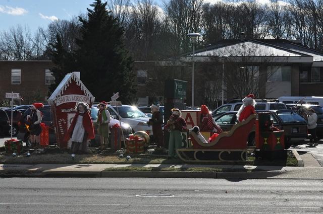 Nursing Home có Santa Workshop. Ảnh: HM