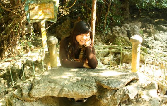 Bàn đá của cụ Hồ ở Pắc Pó. Ảnh: internet