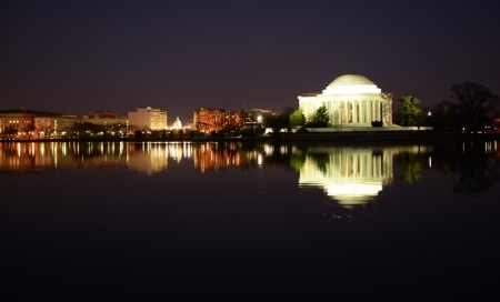 Jefferson by Night. Ảnh: HM