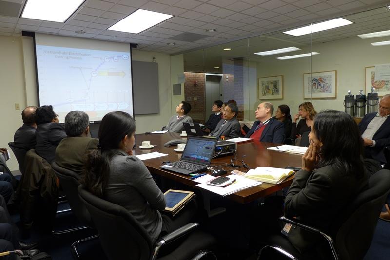 Hội thảo chia sẻ phát triển điện VN và khu vực. Ảnh: HM
