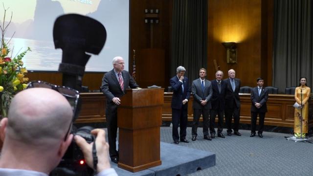 John McCain phát biểu. Ảnh: HM
