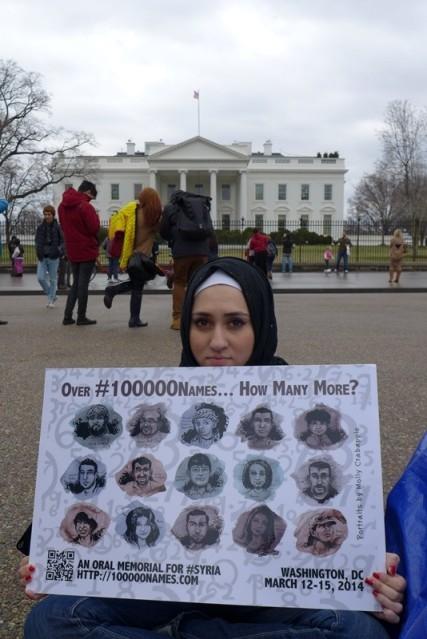 Dân Syria biểu tình. Ảnh: HM