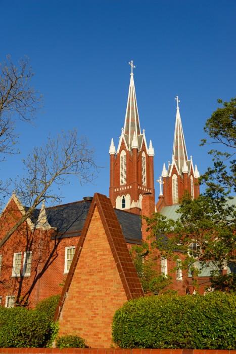Nhà thờ Saint Joseph's Catholic. Ảnh: HM