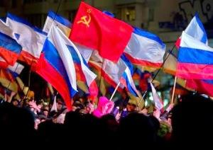 Biểu tỉnh ủng hộ Nga ở Crimea. Ảnh: internet