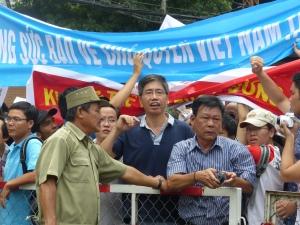 Fan cuồng xứ Việt. Ảnh: Hữu Quân