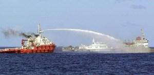 Navires chinois ont attaqué les navires VN.  Photo: Sea VN CS