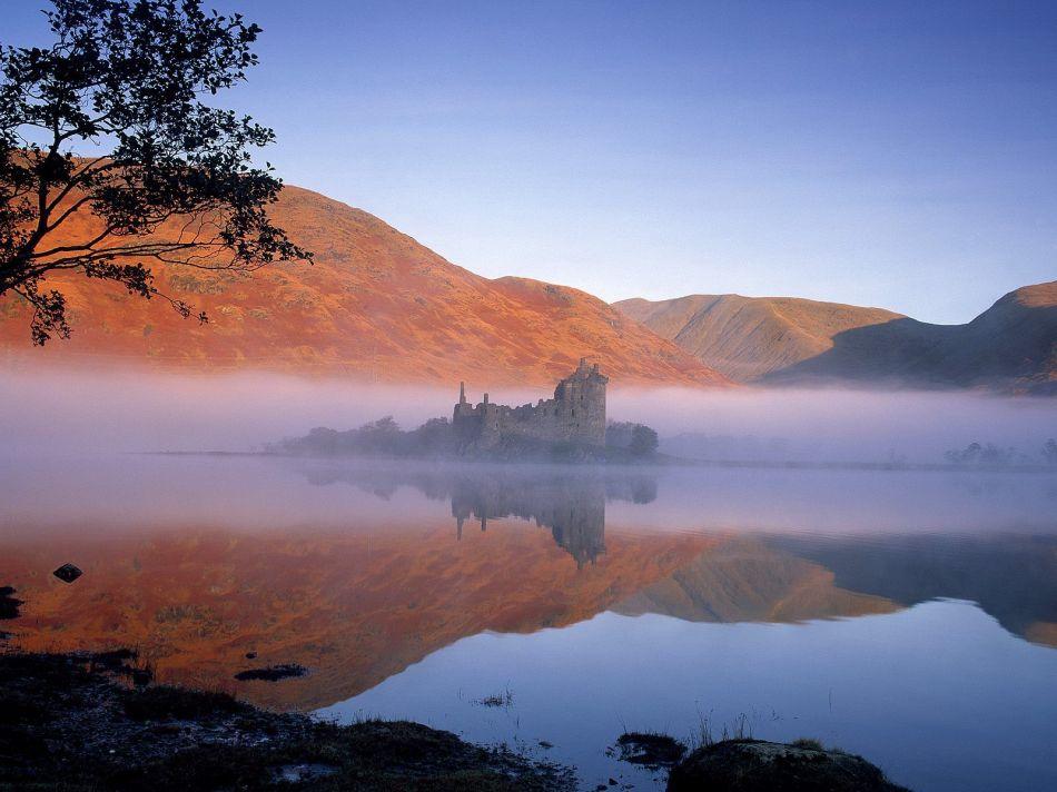 Lâu đài Kilchurn. Scotland. Ảnh: Internet