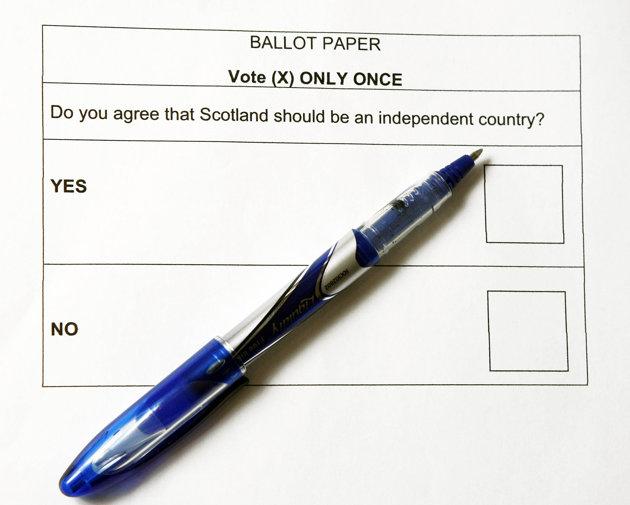 Lá phiếu bầu chỉ có hai chữ Yes và No. Ảnh: XT cung cấp :)