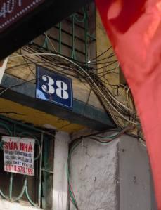 Số nhà 38 Phố Huế. Ảnh: HM