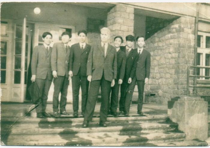 Lớp học tiếng Ba Lan Krakow 1970-1971 Gs Alser. Ảnh tư liệu cá nhân