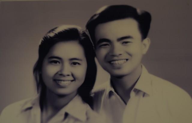 Ảnh anh chị chụp năm 1964. Chụp lại từ album gia đình.