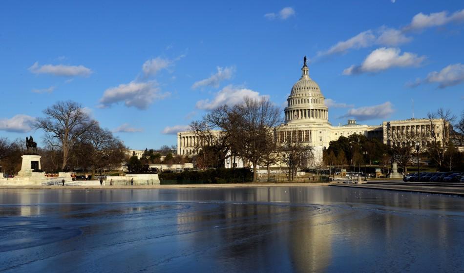 Capitol Hill đang hối hả cho ngày nhậm chức. Ảnh: HM